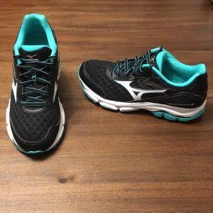 Mizuno Wave Inspire 12 Running Shoes Women Size 8W